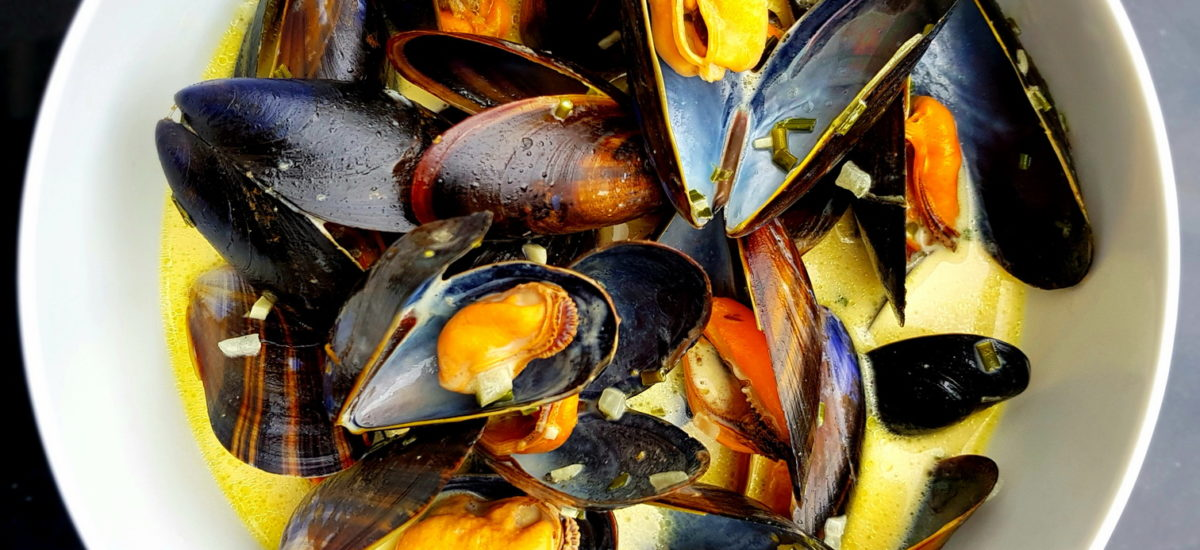 Classic Mussels with Cream